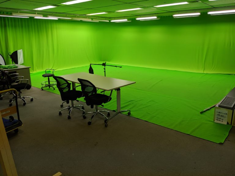 Aスタジオ・クロマキー部屋